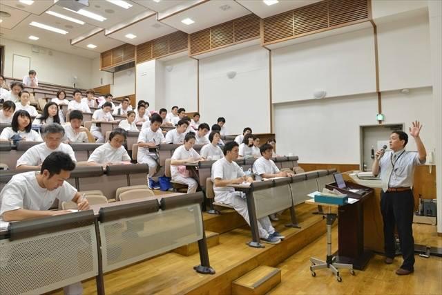もぐさの製造に関する講演風景-東京衛生学園専門学校様_2013