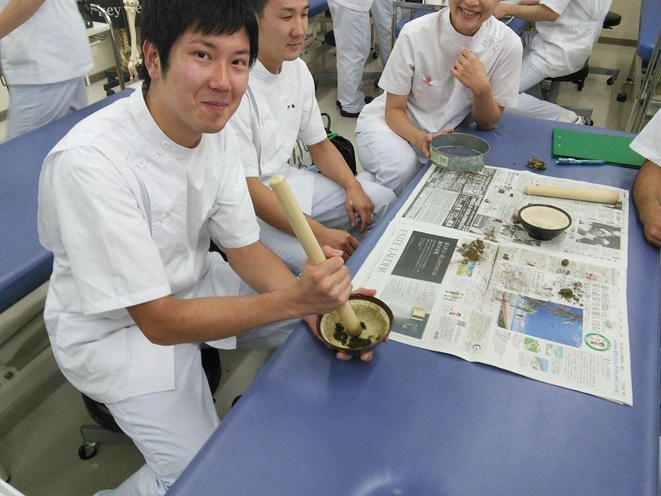 もぐさの製造に関する講演風景-東京衛生学園専門学校様_2014